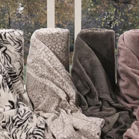 Manta Avulsa Solteiro em Microfibra Toque Flanelado 260 g/m� - Blanket Flannel Estampada - Kacyumara