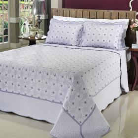 Kit: 1 Cobre-leito Casal Bouti Bordada de Microfibra + 2 Porta-travesseiros - Chennai Lavanda - Dui Design