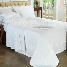 Kit: 1 Cobre-leito King + 2 porta-travesseiros Cetim de Algod�o 300 fios com Bordado Ingl�s - Classic Branco - Dui Design