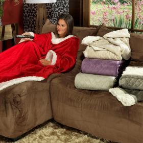 Cobertor com Mangas de TV e Sof� Avulsa com efeito Pele de Carneiro - Conforto - Dui Design