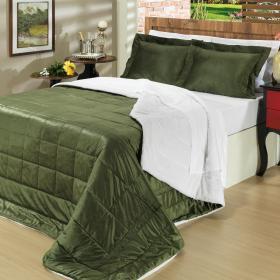 Kit: 1 Edredom King Plush e Pele de Carneiro + 2 Porta-travesseiros - Plush Sherpa Verde Cipreste - Dui Design