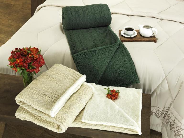 Manta de sof tricot e com efeito pele de carneiro for Cobertor para sofa