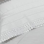 Kit: 1 Cobre-leito King + 2 porta-travesseiros Cetim de Algod�o 1.000 fios com Bordado Ingl�s - Passini Branco - Dui Design