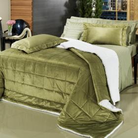 Kit: 1 Edredom Queen Plush e Pele de Carneiro + 2 Porta-travesseiros - Plush Sherpa Oliva - Dui Design