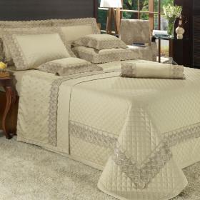 Kit: 1 Cobre-leito King + 2 porta-travesseiros Cetim de Algod�o 300 fios com Bordado Ingl�s - Portfino Camur�a - Dui Design